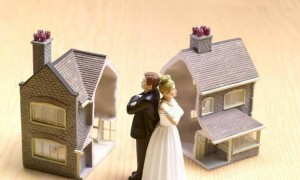 阆中两男子离婚后霸占前妻房屋不肯搬